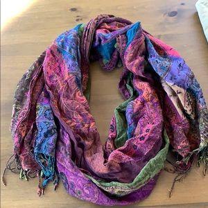 Pre loved lucky brand scarf 🍀